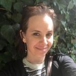 Laura - Dessinatrice graphique spécialisée en Éditorial