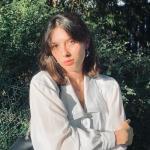 Nina - Traduction anglais-russe-français