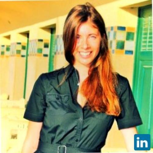 Sandra M. - Romancière. Blogueuse et journaliste cinéma et luxe.
