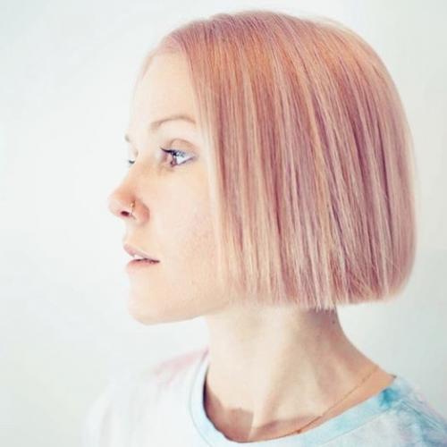 Eva J. - UX Designer et Chargée de Communication