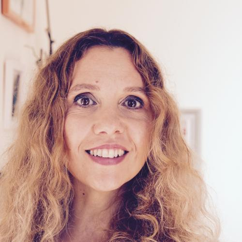 Agathe L. - DA - Webdesigner - graphiste - Formatrice en multimédia