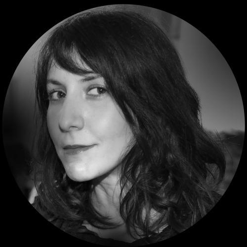Dinah A. - Chargée de Communication Print/Web/Vidéo - Graphiste