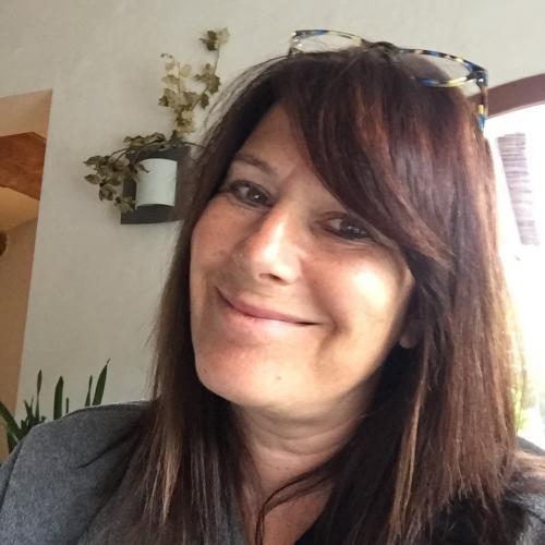 Cécile P. - Responsable marketing, création, design et communication