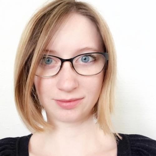 Candice E. - Graphic & UI designer freelance