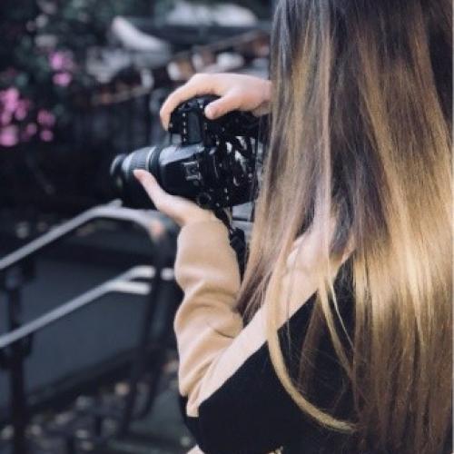 Caroline V. - Ux/Ui Designer / Photographe