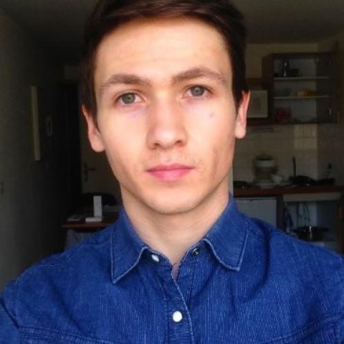 Jordan L. - Rédacteur, Journaliste et Traducteur Freelance