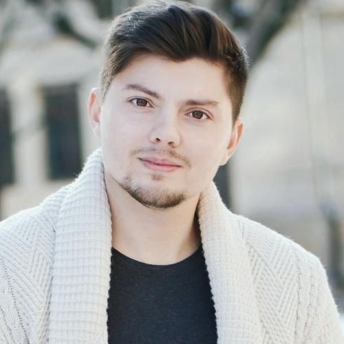 Yevgeniy V. - Réalisateur Vidéo, Motion Design, Web Designer