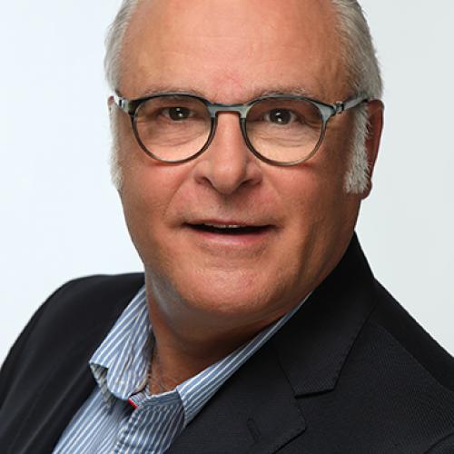 Emmanuel C. - Assistant commercial