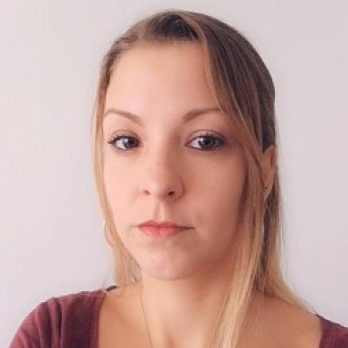 Julie H. - Freelance Webdesigner | Graphiste