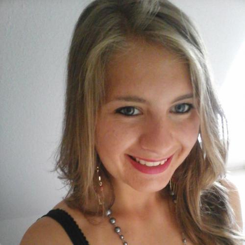Julie B. - Traductrice de l'anglais, espagnol, italien vers le français