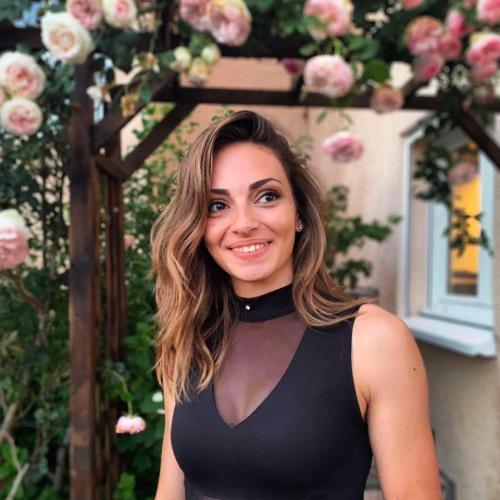 Célia D. - Graphiste & Directrice artistique Freelance