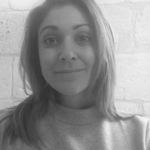 Barbara E. - Rédactrice freelance avec expertise digitale