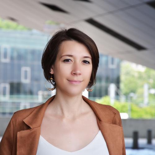 Alexandra B. - Graphiste & Consultante en Communication