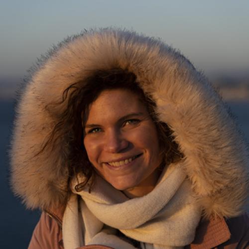 Laura V. - Graphiste et Photographe