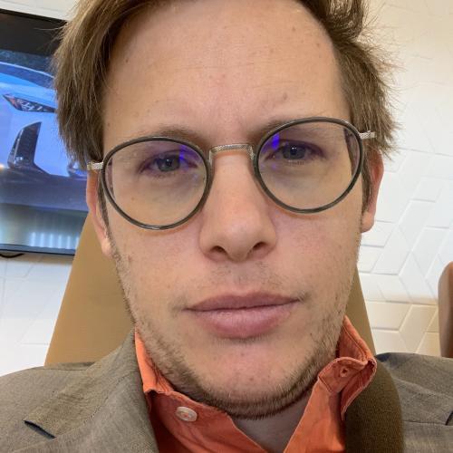 Nicolas V. - Rédacteur print & web SEO et Community Manager