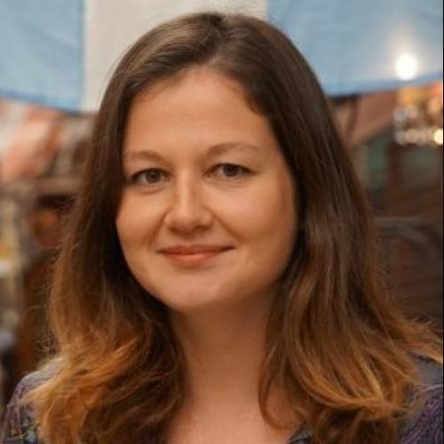 Julie D. - Rédactrice et consultante en stratégie éditoriale