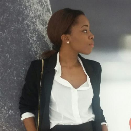 Elzie O. - Journaliste-Consultante éditoriale