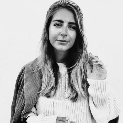 Margot N. - Community Manager - E-influence - Rédactrice