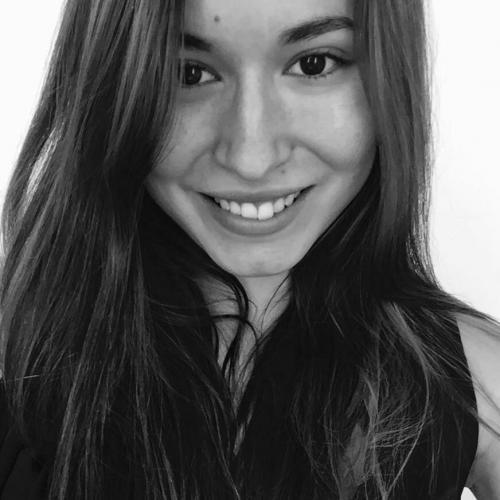 Laura P. - Consultante en Communication