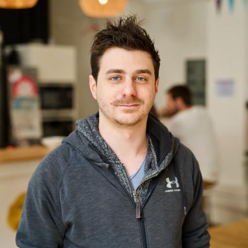 Peter V. - Développeur logiciel / application mobile