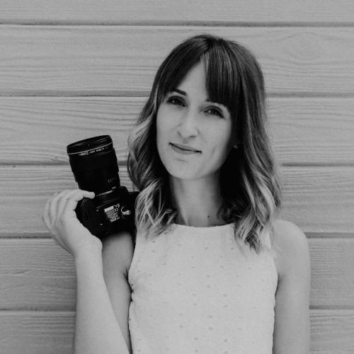 Elsa R. - Graphiste DA et photographe