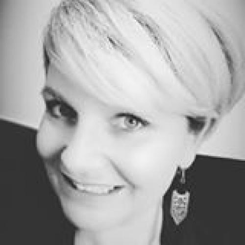 Valérie L. - Business Developer et Community Manager