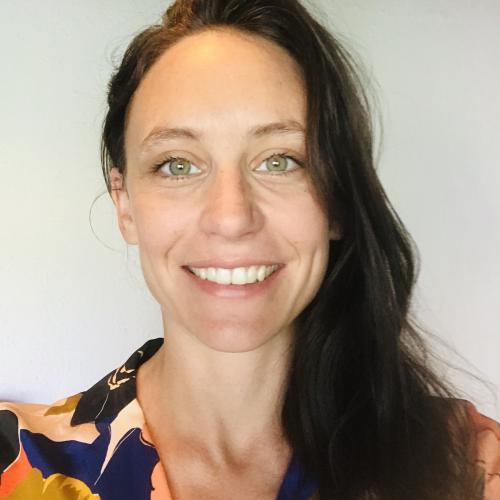 Julia T. - Social Media Manager & rédactrice de contenu